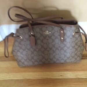 Coach bag great condition $60.00. Inside zipper